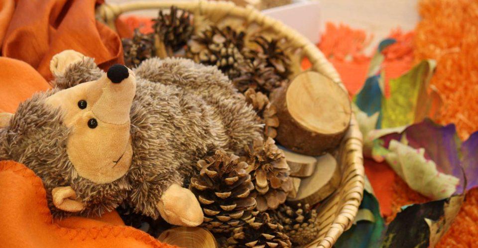 Eltern-Kind-Gruppen - Igel zu Besuch bei vitamin R